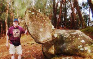 phallic rock molokai
